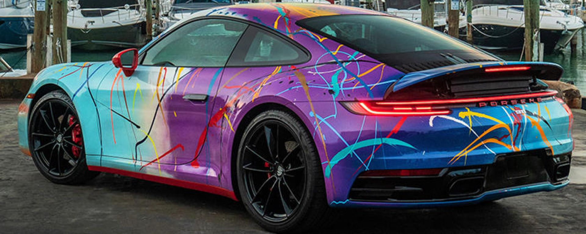 Porsche 911 by Rich B. Caliente: la coupé tedesca multicolor all'asta
