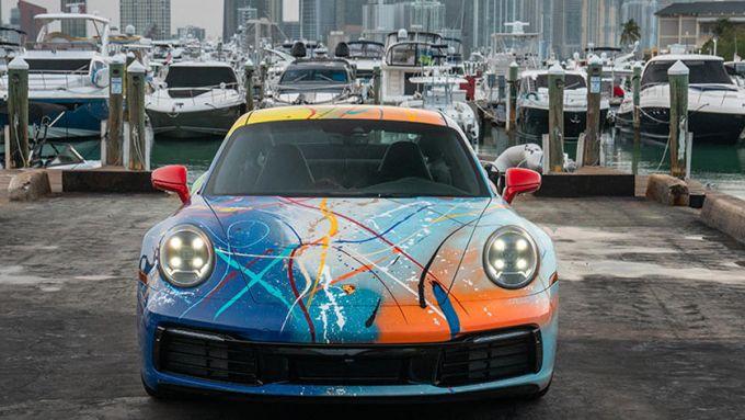 Porsche 911 by Rich B. Caliente: la sportiva con carrozzeria caleidoscopica