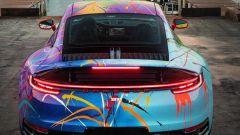 Porsche 911 by Rich B. Caliente: l'iconico lato B della sportiva tedesca