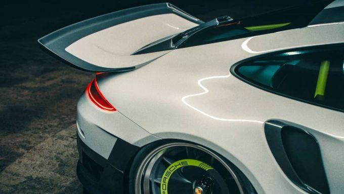 Porsche 911 GT2 RS ''coda di balena''