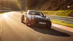 Porsche 911 GT2 RS: in pista nell'inferno verde tedesco