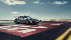 Porsche 911 GT2 RS: la nave affonda e riprende la produzione - Immagine: 9