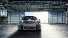 Porsche 911 GT2 RS: la nave affonda e riprende la produzione - Immagine: 7