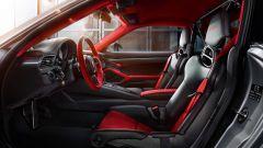 Porsche 911 GT2 RS: la nave affonda e riprende la produzione - Immagine: 11