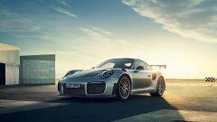 Porsche 911 GT2 RS: la nave affonda e riprende la produzione - Immagine: 15