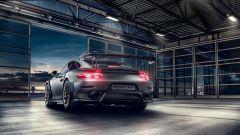 Porsche 911 GT2 RS: la nave affonda e riprende la produzione - Immagine: 8