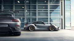 Porsche 911 GT2 RS: la nave affonda e riprende la produzione - Immagine: 6