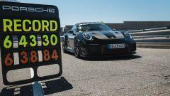 Porsche 911 GT2 RS: l'auto dei record