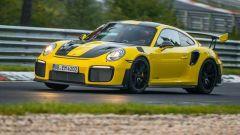 Porsche 911 GT2 RS: record al Nurburgring, battute 918 e Huracan