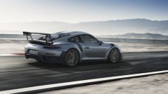 Porsche 911 GT2 RS: vista 3/4 posteriore destra