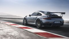Porsche 911 GT2 RS: vista 3/4 posteriore sinistra