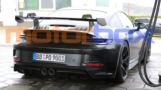 Porsche 911 GT3 2021 ferma al distributore