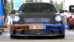 Porsche 911 GT3 2021: le enormi prese d'aria anteriori