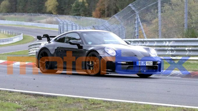 Porsche 911 GT3 2021: visuale di 3/4 anteriore