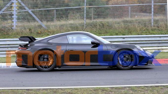 Porsche 911 GT3 2021: visuale laterale