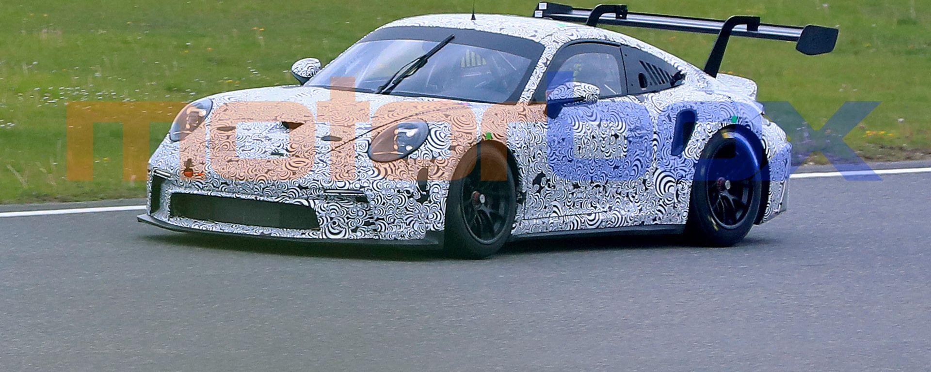 Porsche 911 GT3 R: il frontale