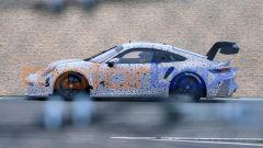 Porsche 911 GT3 R: vista laterale