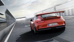 La Porsche 911 GT3 RS debutta al Salone di Ginevra 2015 - Immagine: 5