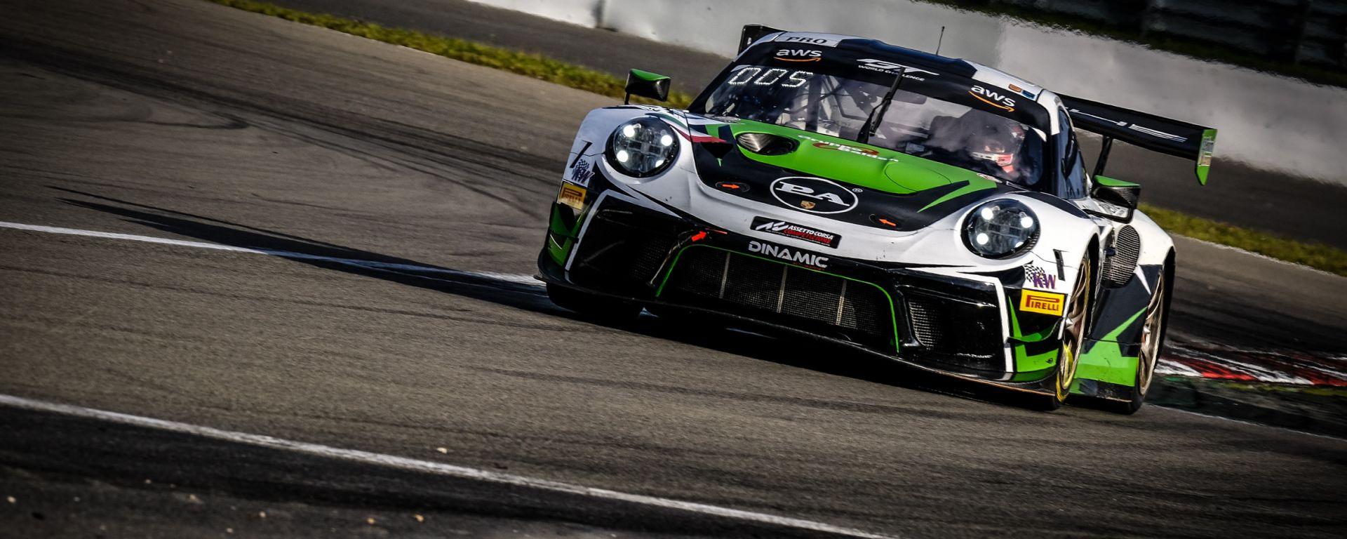 porsche 911 GT3 team Dinamic