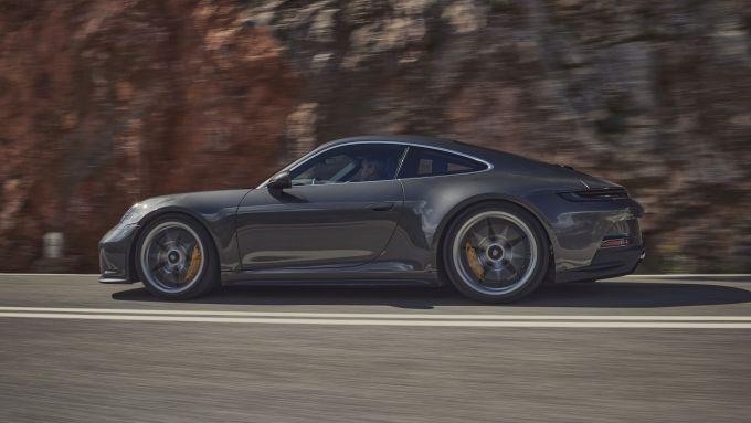 Porsche 911 GT3 Touring: visuale laterale