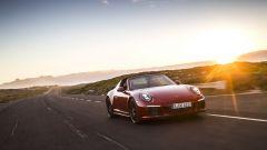 Porsche 911 GTS 2017: prova, dotazioni, prezzi [VIDEO] - Immagine: 6