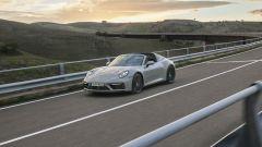 Porsche 911 GTS 2021: la versione Targa, vista di 3/4 anteriore