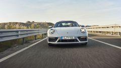 Porsche 911 GTS 2021: la versione Targa, vista frontale