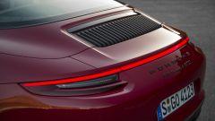 Porsche 911 GTS: i listelli verticali identificano la versione 991 MK2, quella con il turbo