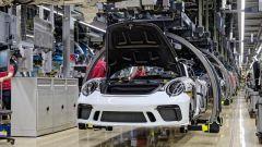 Porsche 911 Serie 991: la catena di montaggio