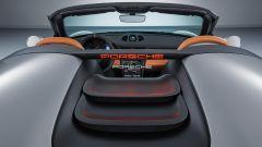 Porsche 911 Speedster Concept: la scritta Porsche si illumina frenando