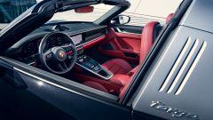 Porsche 911 Targa 4S 2020, gli interni