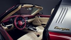 Porsche 911 Targa 4S Heritage Design Edition: gli interni