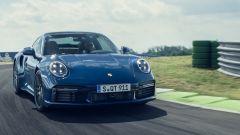 Porsche 911 Turbo 2020, muscoli in bella vista