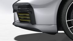 Porsche 911 Turbo S 2020, in rosso le palette robotizzate che parzializzano i flussi nelle prese d'aria