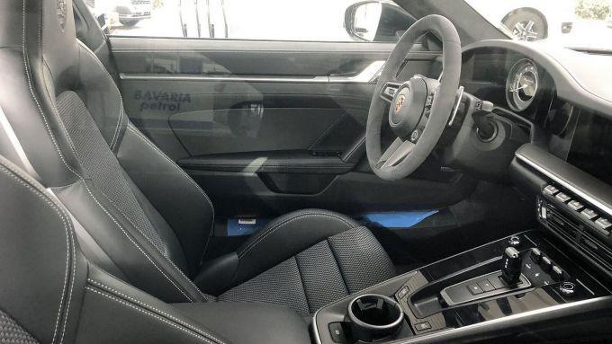 Porsche 911 Turbo S 2020 interni