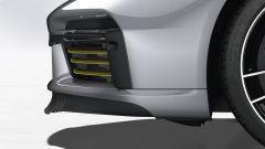Porsche 911 Turbo S 2020, lo spoiler frontale in posizione di completa apertura