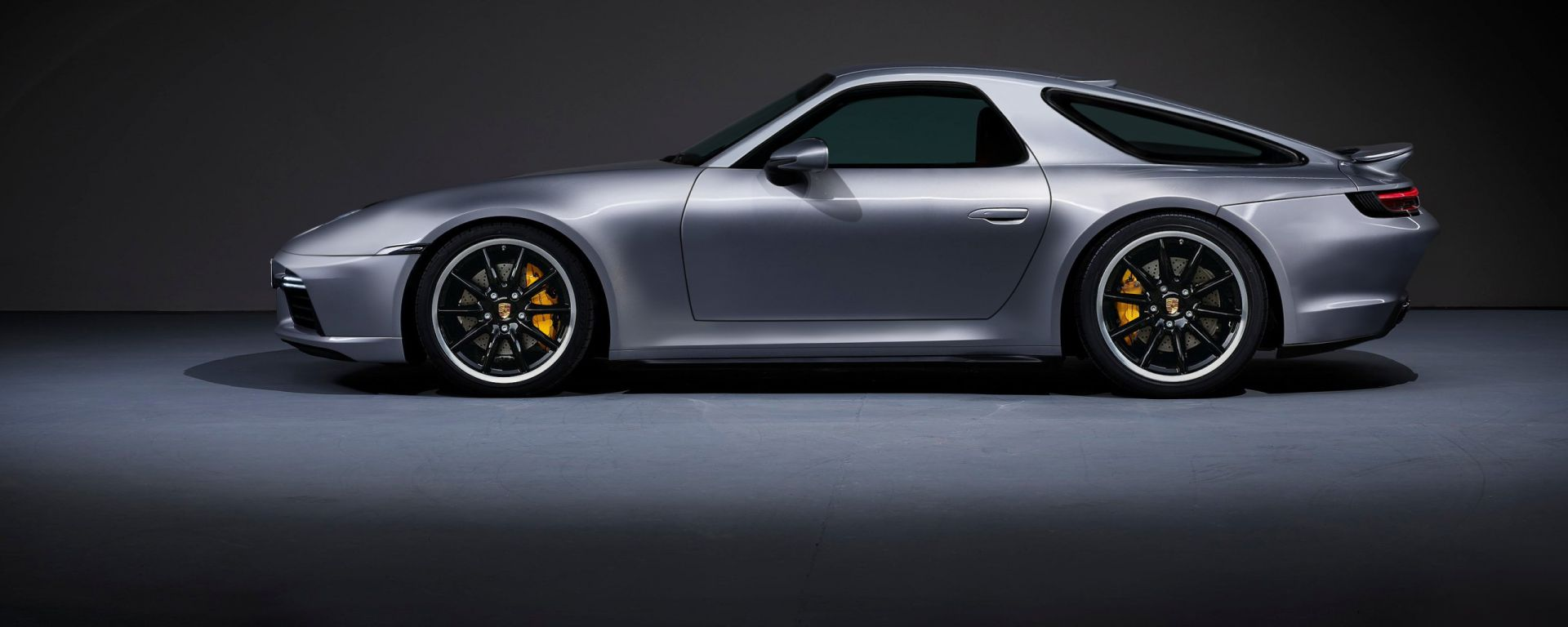 Porsche 911 Turbo S 2020 o 928? Il rendering