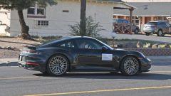 Porsche 911 Turbo S Coupé 2020: il profilo laterale della sportiva tedesca