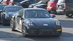 Porsche 911 Turbo S Coupé 2020: le prese d'aria sui passaruota posteriori bene in vista