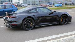 Porsche 911 Turbo S Dicktail: la fiancata