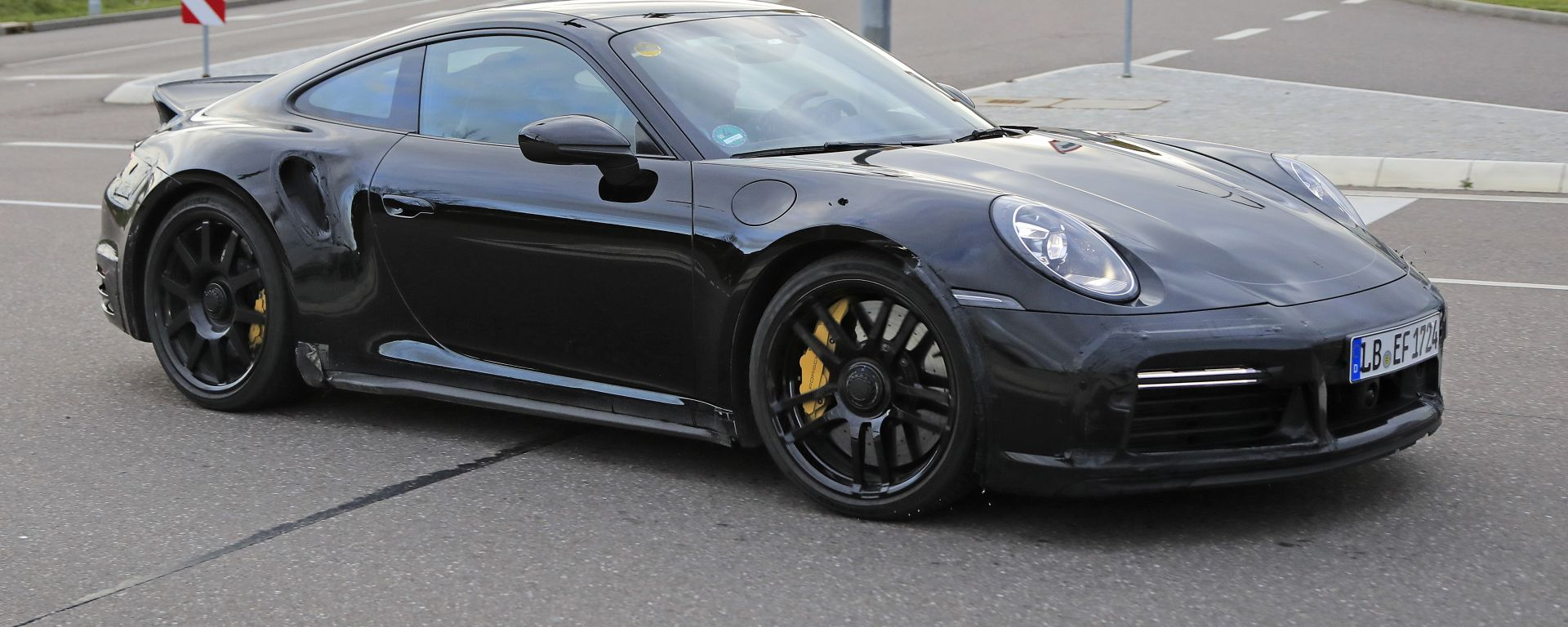 Porsche 911 Turbo S Dicktail: vista 3/4 anteriore