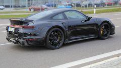 Porsche 911 Turbo S Dicktail: vista 3/4 posteriore