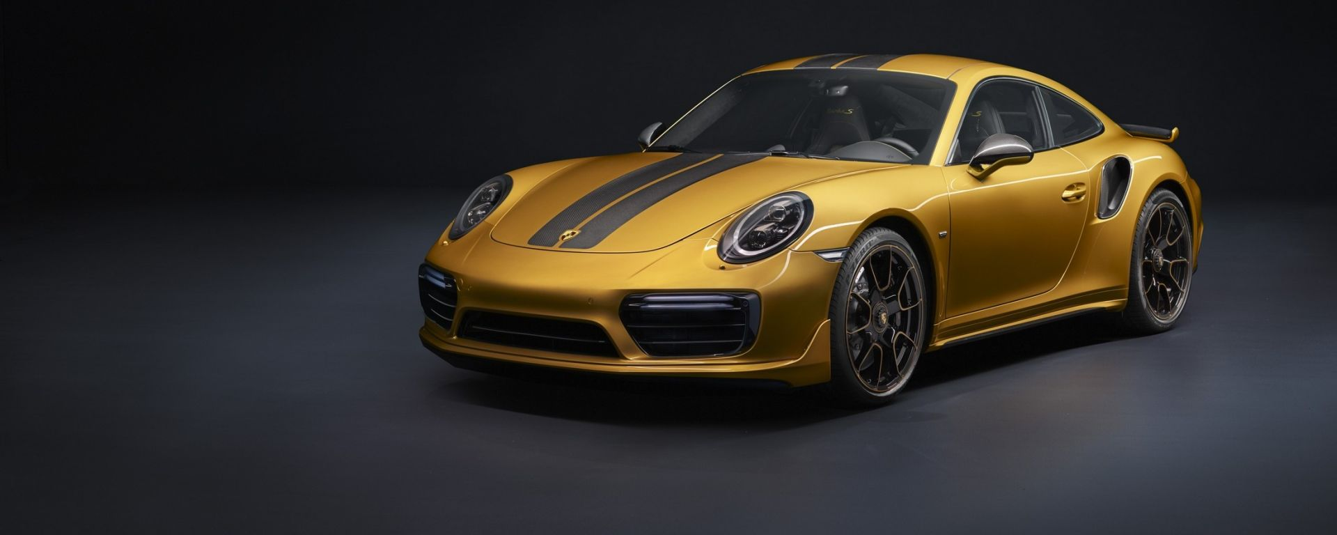 Porsche 911 Turbo S Exclusive Series: vista 3/4 anteriore