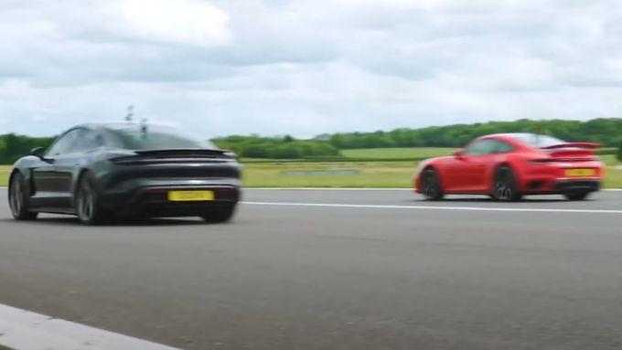 Porsche 911 Turbo S vs Porsche Taycan Turbo S: the winner is...