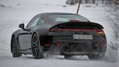 Porsche 911 Turbo: vista posteriore di un muletto