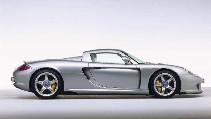 Porsche Carrera GT, vista laterale