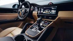 Porsche Cayenne 2018, la  plancia diventa high tech