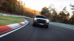 Porsche Cayenne ad alte prestazioni batte il record di Audi RS Q8