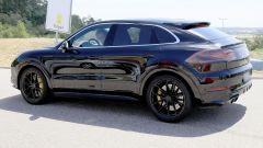 Porsche Cayenne Coupé, spiata l'anti BMW X6. Ecco come sarà - Immagine: 4