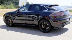 Porsche Cayenne Coupé, spiata l'anti BMW X6. Ecco come sarà - Immagine: 5